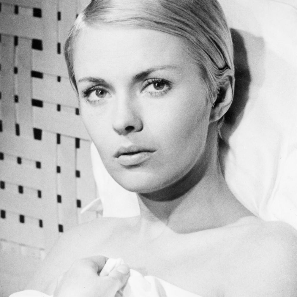 Black and white photo portrait of Jean Seberg.