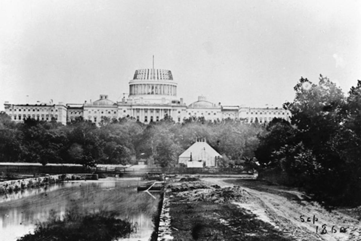 Photo of the US Capitol with an unfinished dome, 1860
