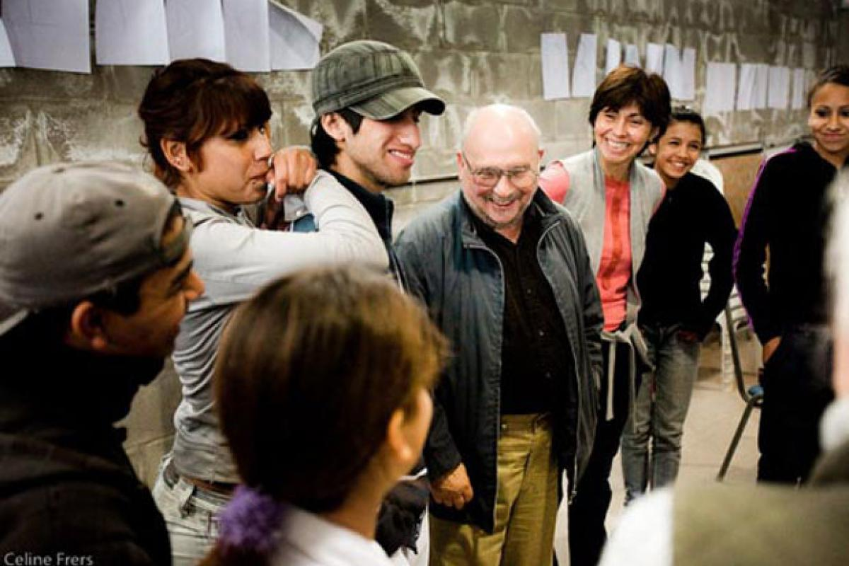 Earl Shorris meets students in Buenos Aires