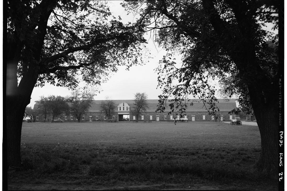 Black and white photo of Fort Larned Barracks in Larned, Kansas