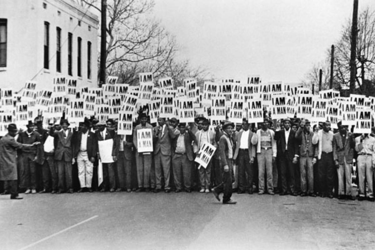 Photograph of sanitation workers' protest in Memphis, TN, 1968