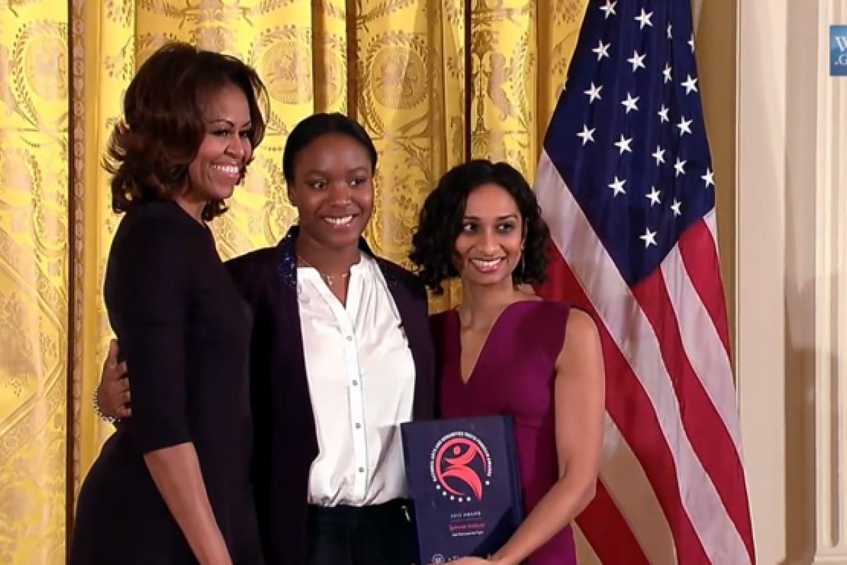 Michelle Obama awards 2013 NAHYPA to Sadie Nash Leadership Project
