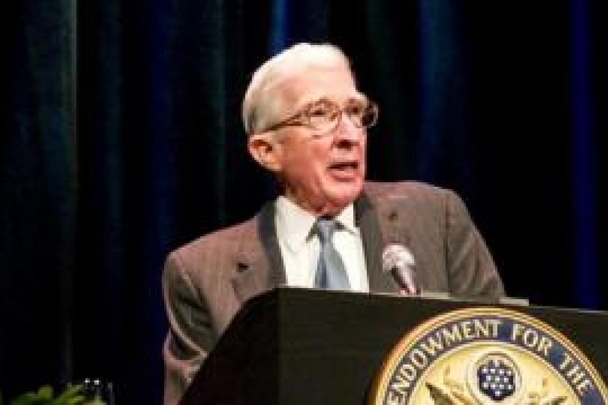 John Updike delivers 2008 Jefferson Lecture in the Humanities
