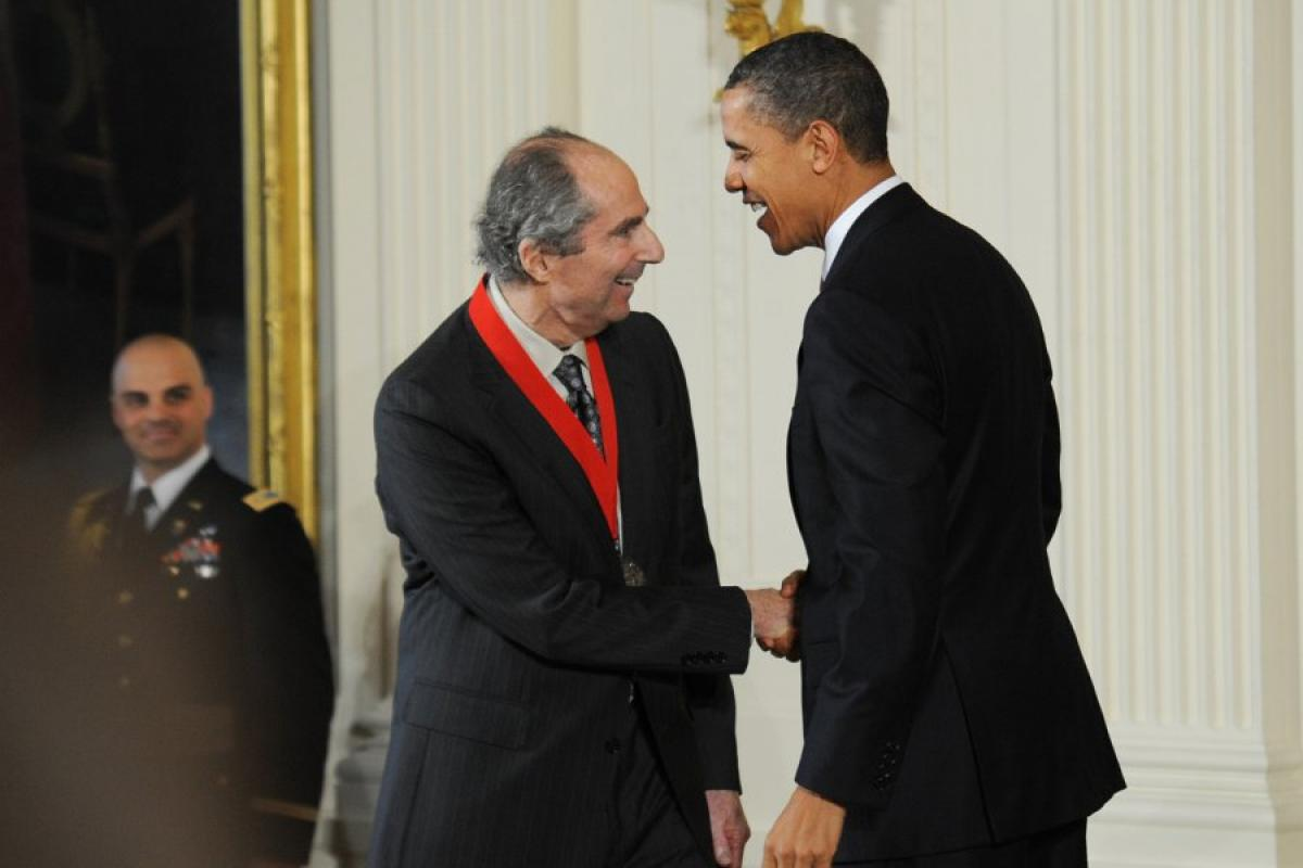 Philip Roth receives National Humanities Medal
