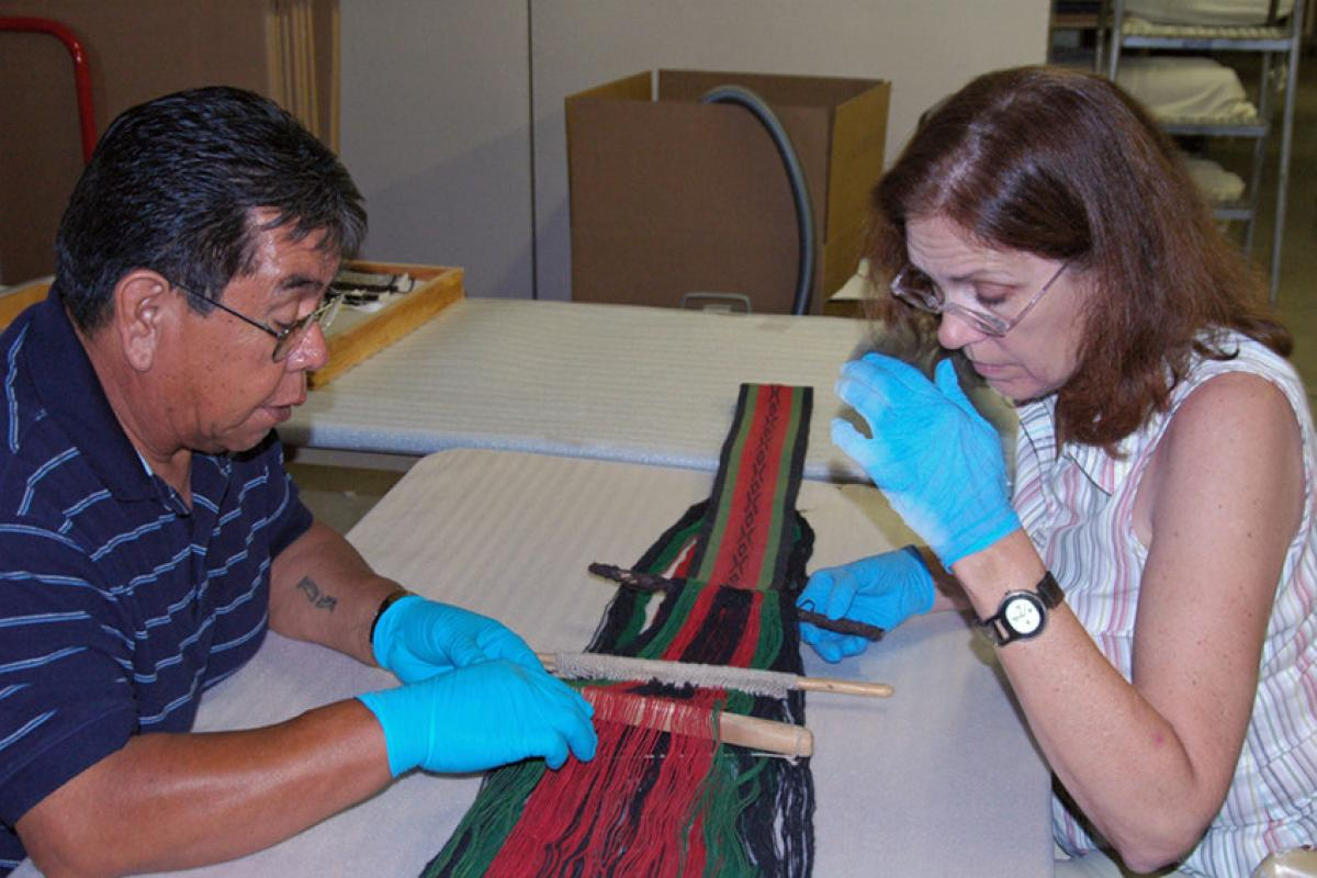 Austin Lomatewama, Hopi weaving instructor for Hopitutuqaiki