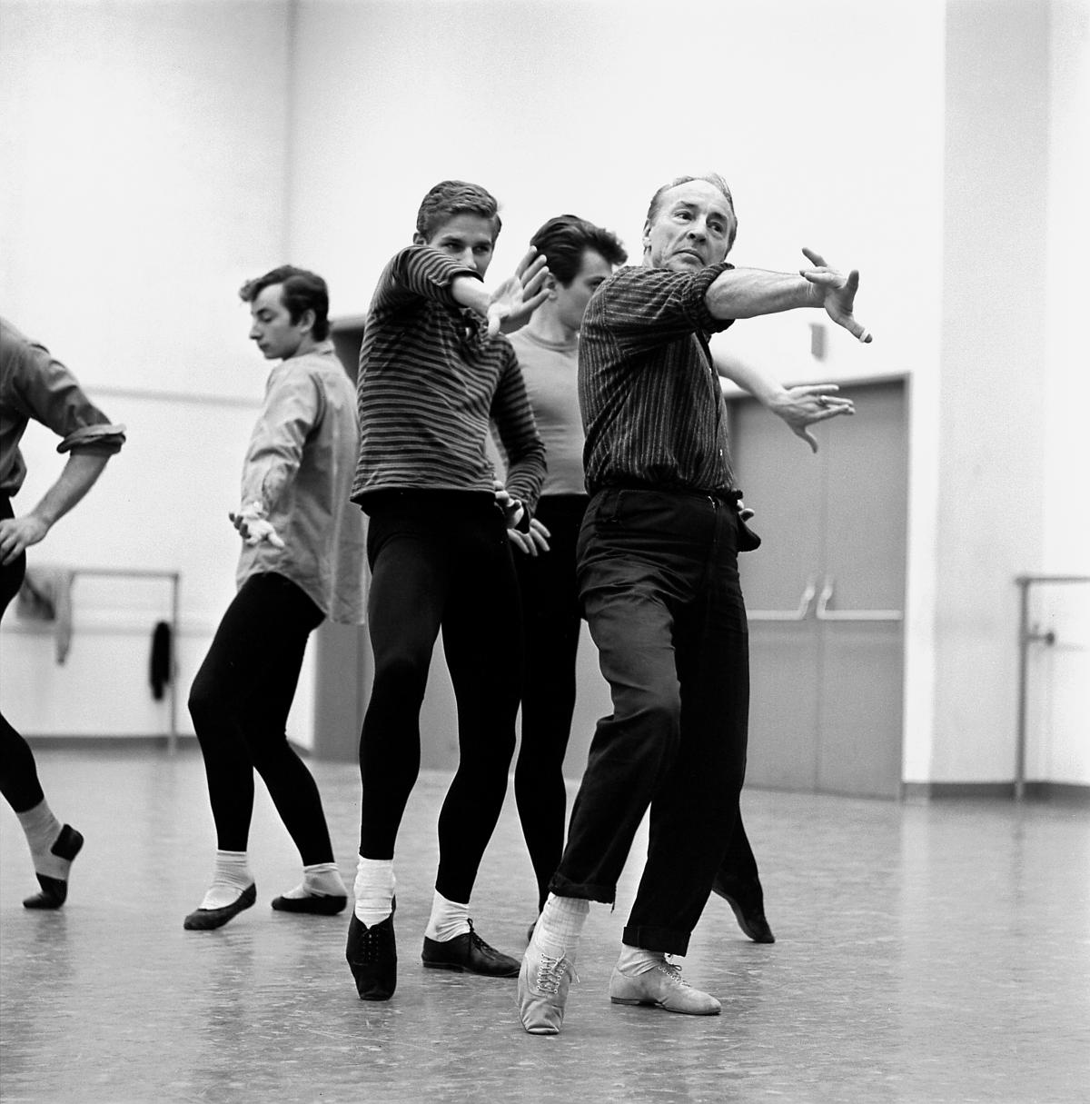 Balanchine rehearses his Don Quixote with the company in 1965
