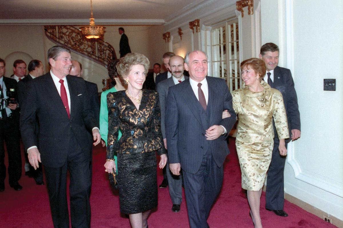 Ronald and Nancy Reagan with Mikhail and Raisa Gorbachev at Russian Embassy