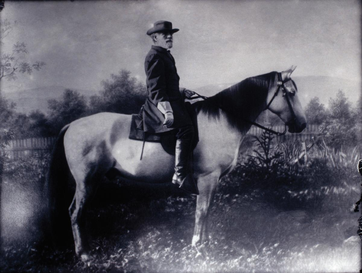 General Robert E. Lee astride his horse, Traveller