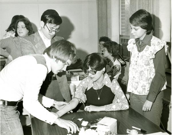 The first community screening for Tay-Sachs occurred in Baltimore in 1971.