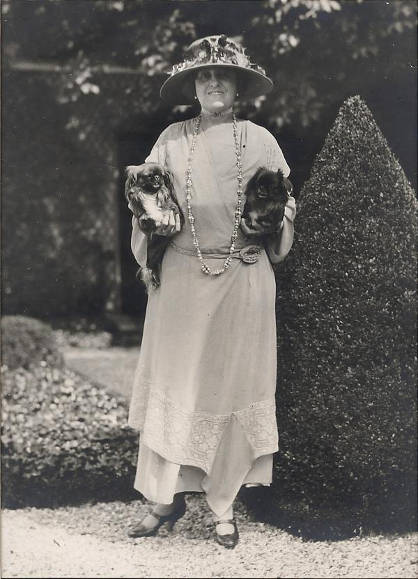 Edith Wharton with her dogs