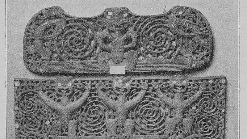 Black and white photo of Maori door lintels, 1901