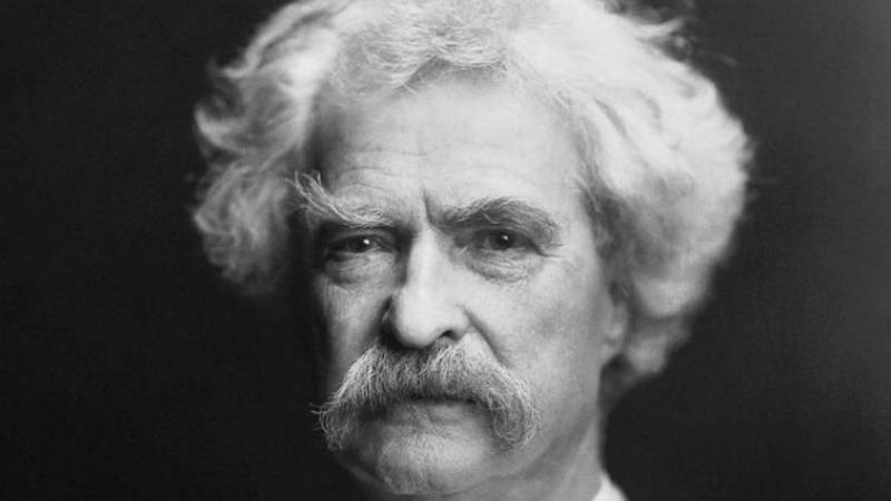 Black and white portrait of Mark Twain
