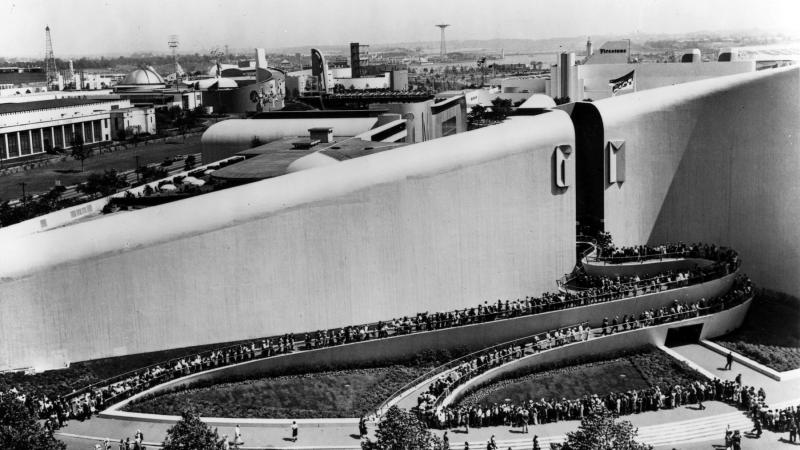Aerial photo in black and white of the General Motors building as seen during the 1940 World's Fair.