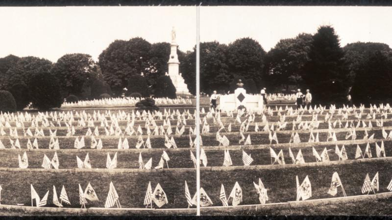 Panoramic photo of Gettysburg National Cemetery, in black and white.