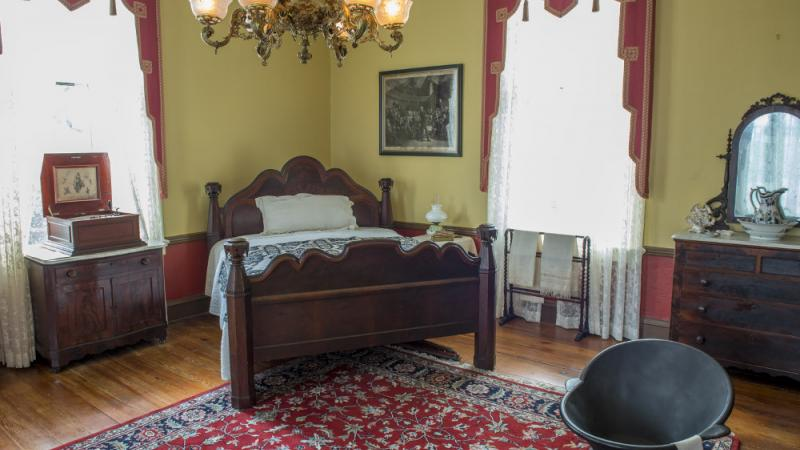 Master Bedroom of Oakleigh House.