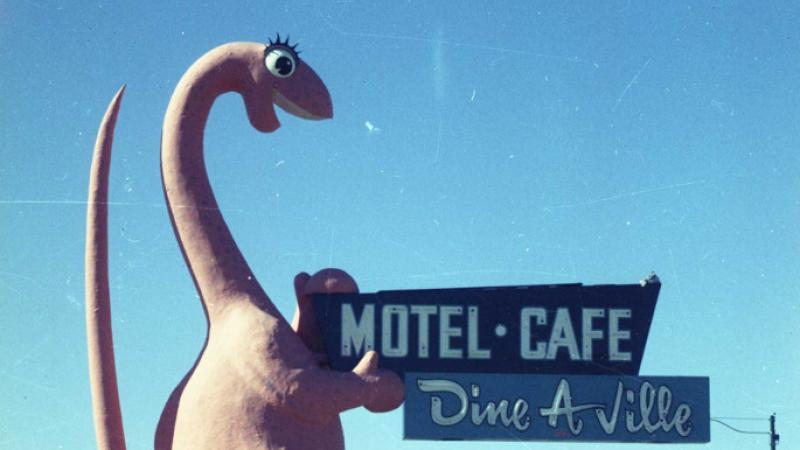Dine A Ville Motel Welcome.