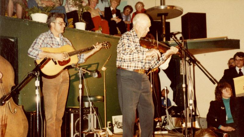 Leonard Finseth, folk fiddler, with Lloyd LaPlant, guitarist and luthier.