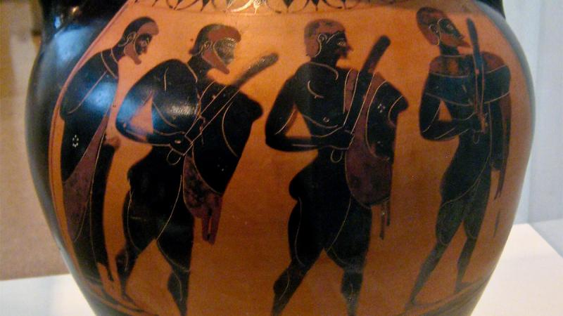 Greek warriors on vase.