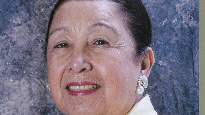a portrait of Teresa Lozano Long smiling