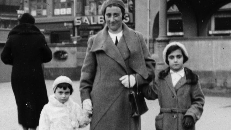 Anne Frank with Family